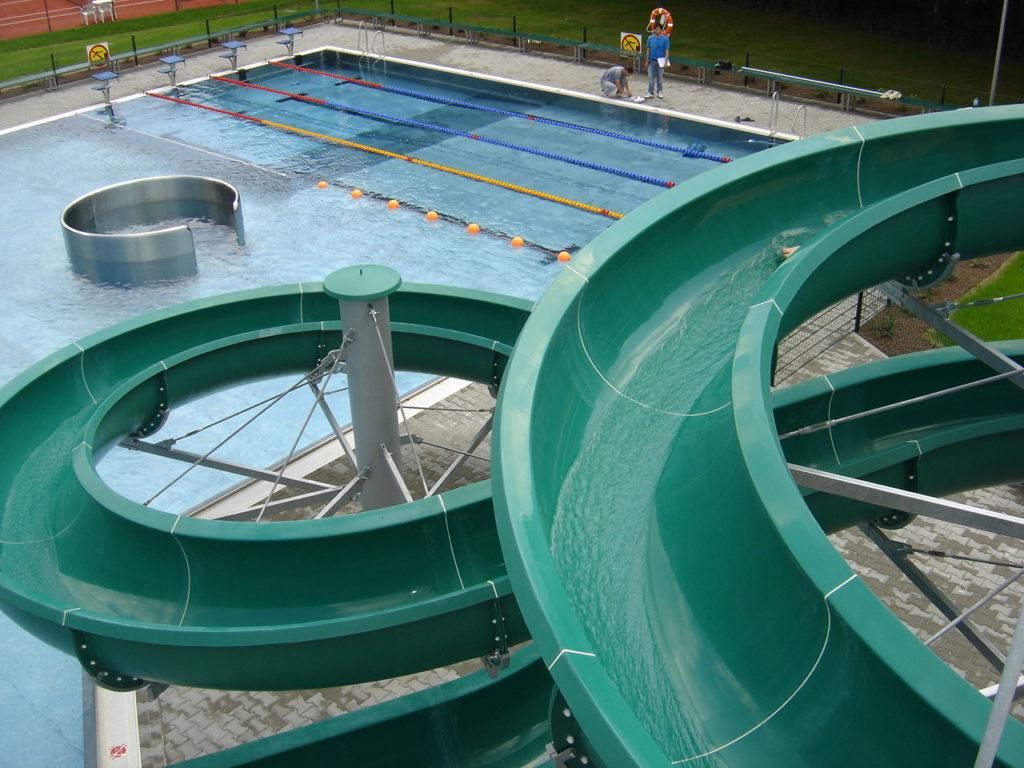 Водные горки в аквапарке Brzozów