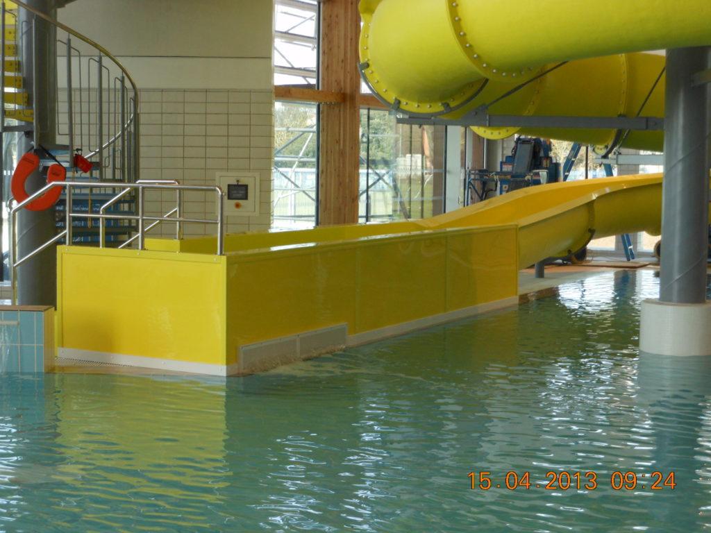 Ванна для торможения вмонтирована в бассейн