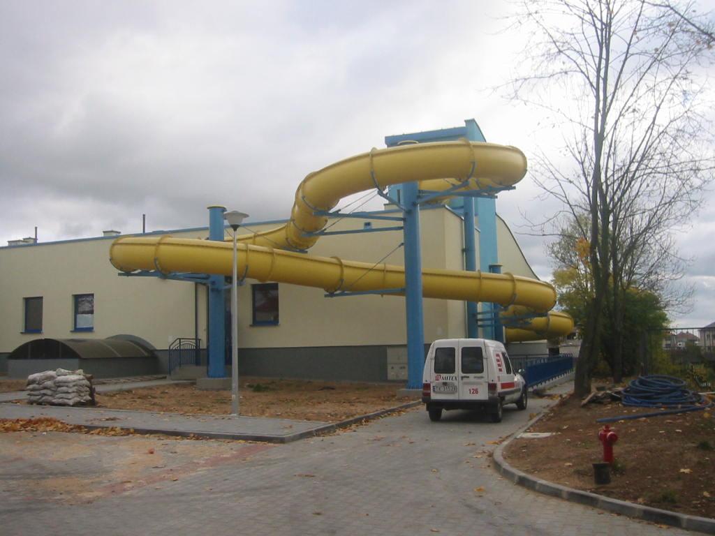 Водные горки в аквапарке Mońki
