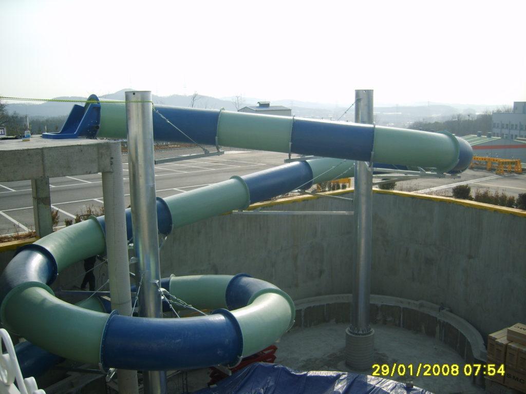 Монтаж водных горок