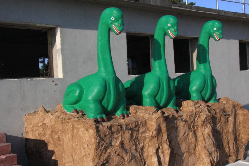 Пластиковые драконы