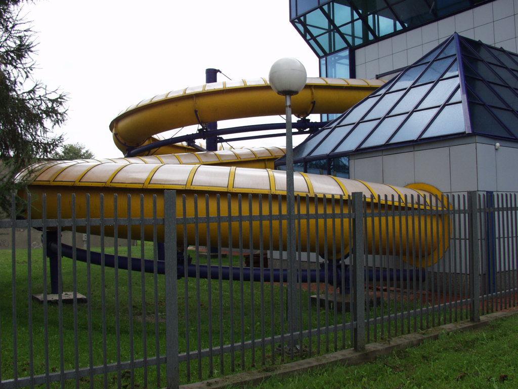 Аквапарк с панорамным остеклением