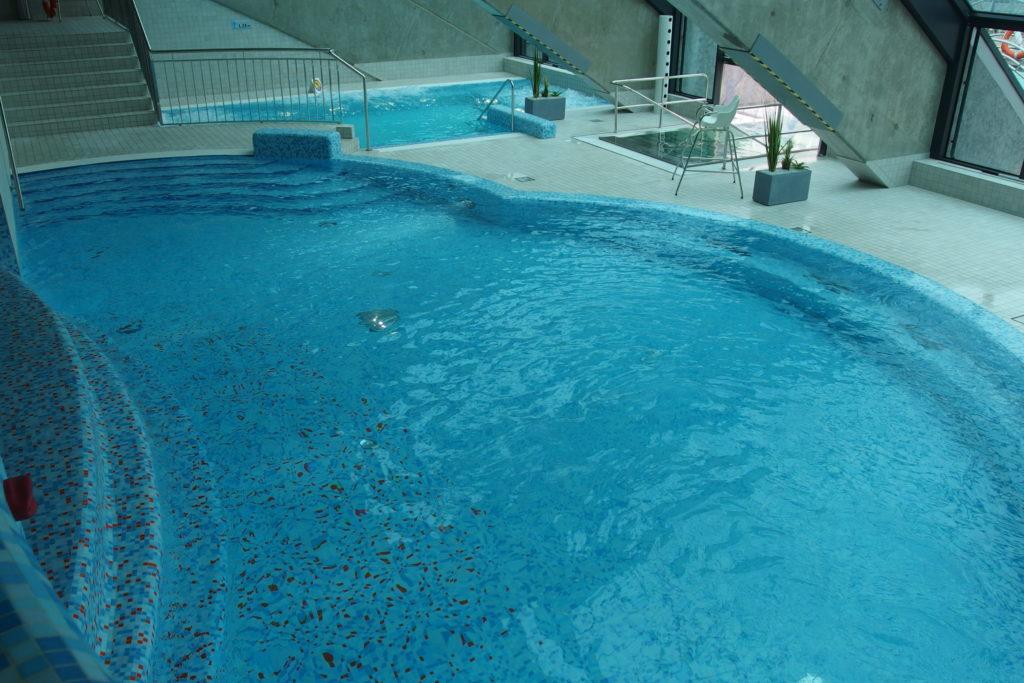 Метровый бассейн