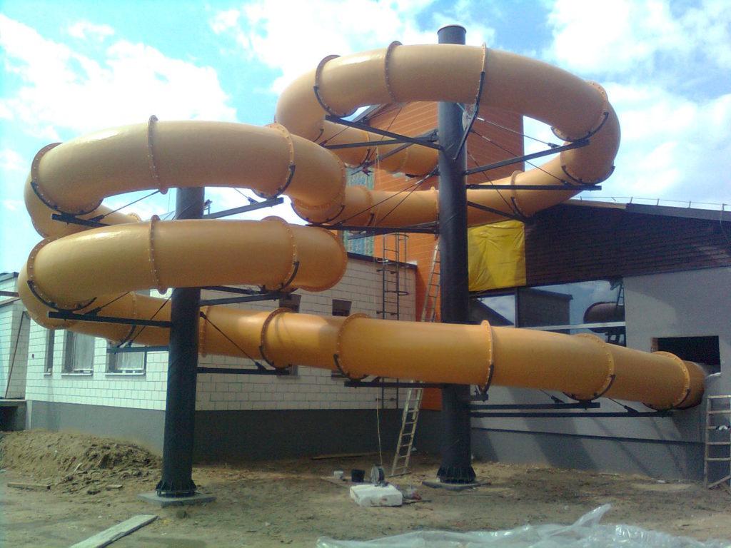 Водные горки на двух столбах