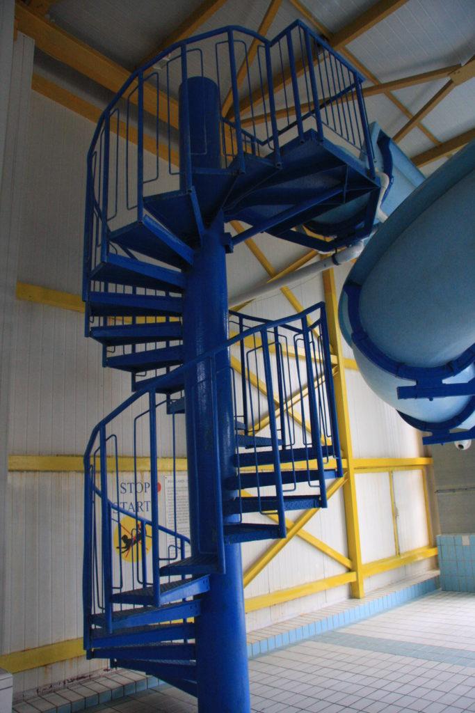 Винтовая лестница на водную горку