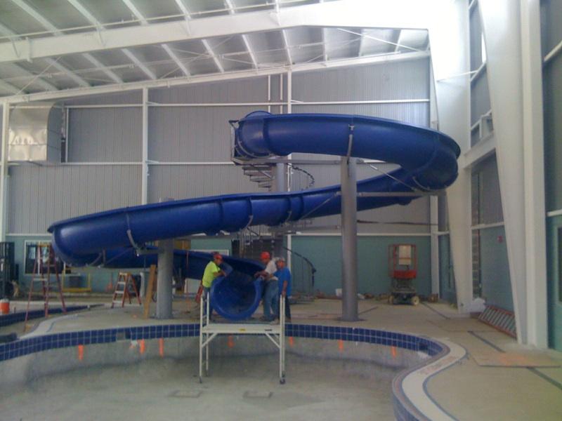 Водные горки в аквапарке USA Collinwood